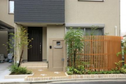 千本格子と門柱