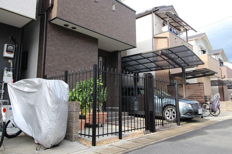 フェンスと門扉設置
