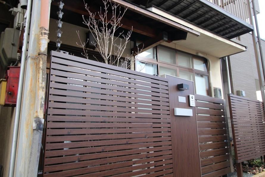 デザイナーズフェンスとエバーアートボード門柱