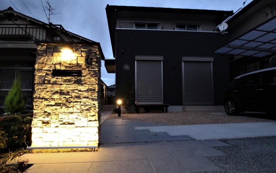 石門柱のライティング