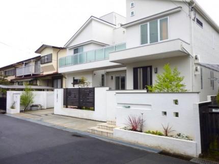 白い家のクローズスタイル