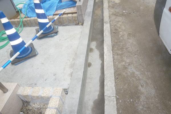 縞鋼板設置前