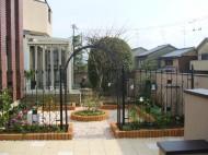 草花を楽しむ庭